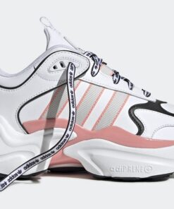 Γυναικεία Αθλητικά Adidas Originals Magmur Runner in white and pink
